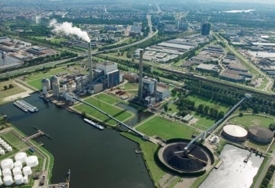 N.V. Nuon Energy's 630 MW Hemweg coal power plant in Amsterdam, built in the 1990s, supplies energy to 3.1 million households. Image by VATTENFALL